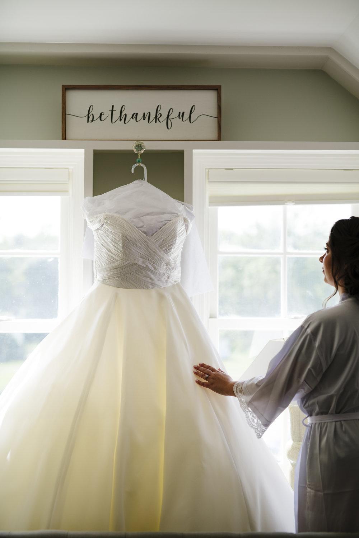 White princess dress at Jonathan Edwards Winery - Pearl Weddings & Events