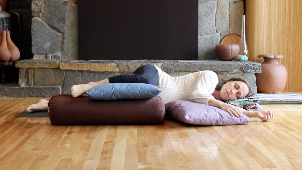Side-lying pose