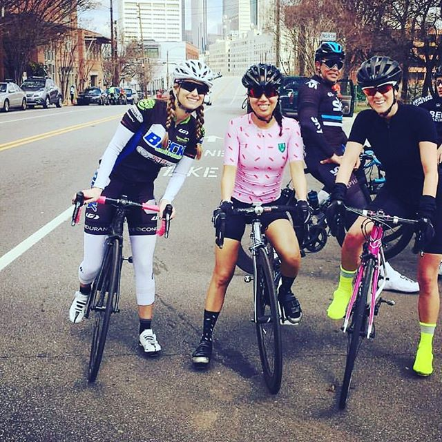 Chicks who ride got us like 🙏🏼😍🙏🏼😍 #atlfitness #fitness #health #cycling #tenspeedhero #tshwomen