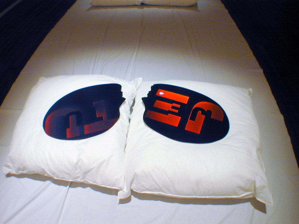 «JE / TU», 2000