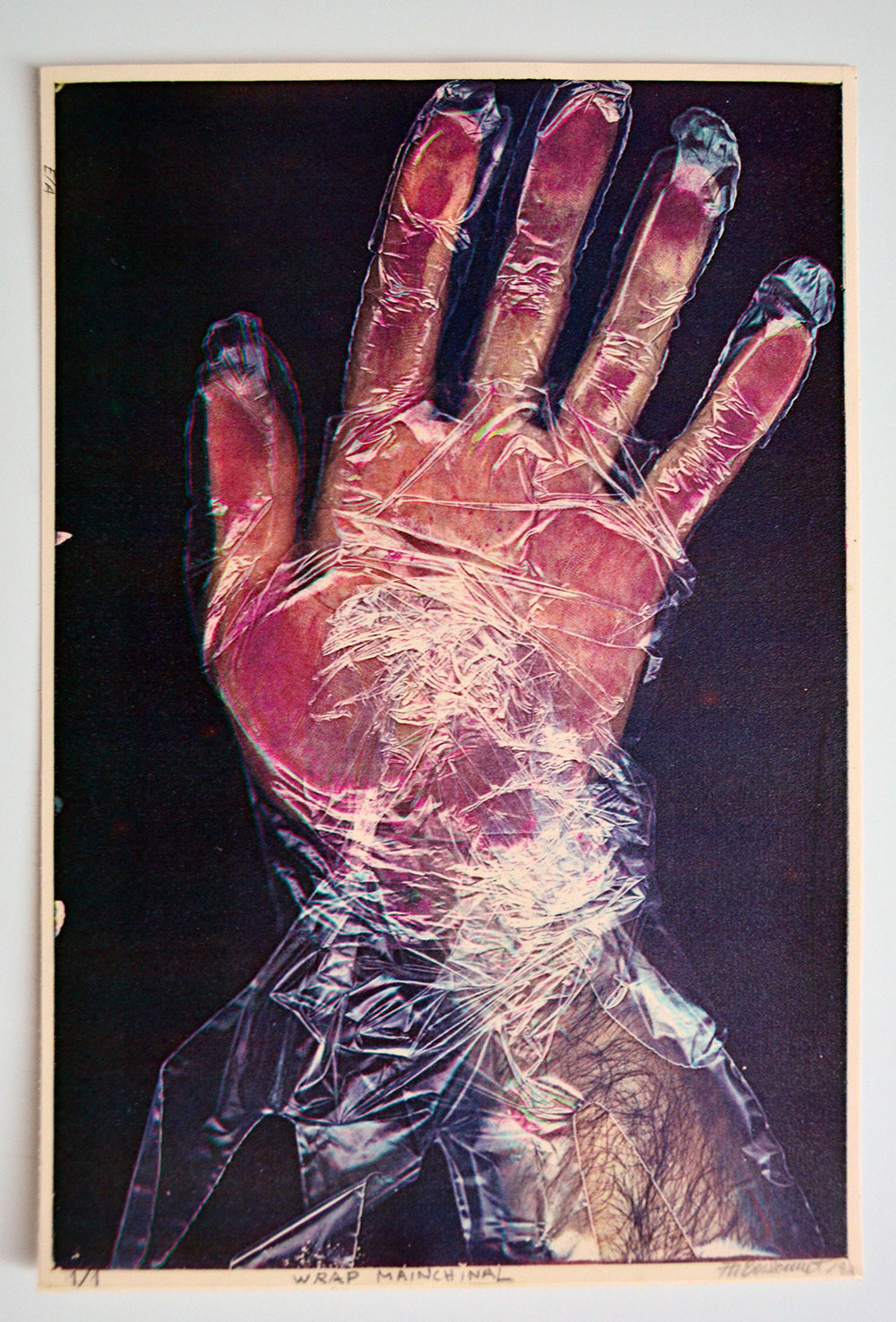 «Wrap mainchinal», 1984 21,5 x 28 cm Collection du  Museo Internacional de Electrografía , Cuenca, Espagne