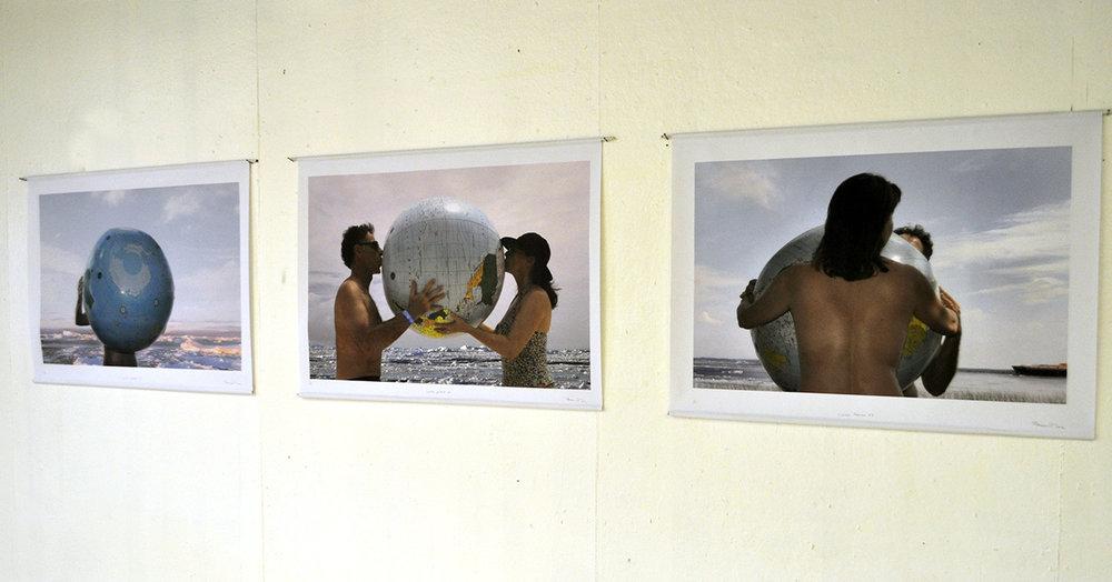 «Liaisons polaires I - II - III», 2012 Trois photos numériques sur toile vinylique (fixation avec tiges d'acier)