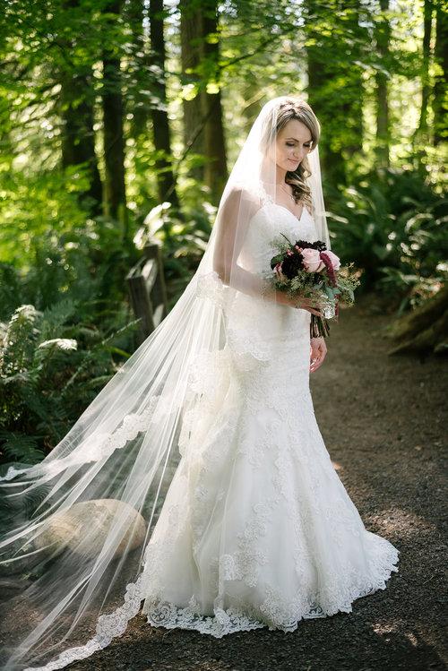 Corded Lace Drop Veil Blanca Veils