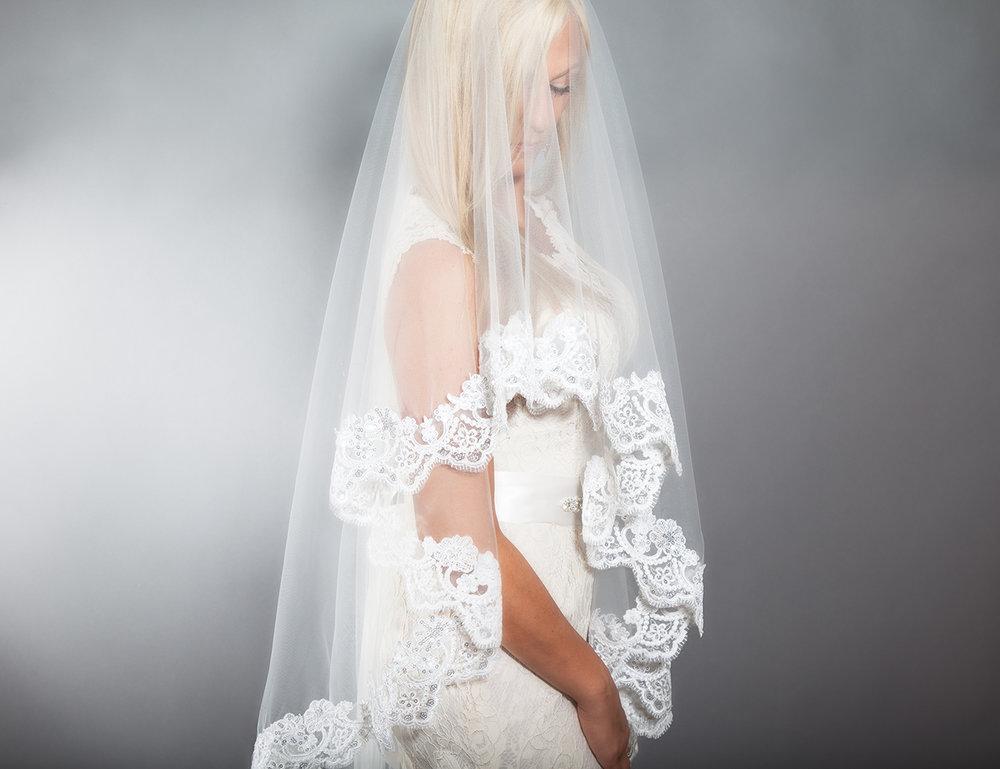 Lace Drop Veil-$80