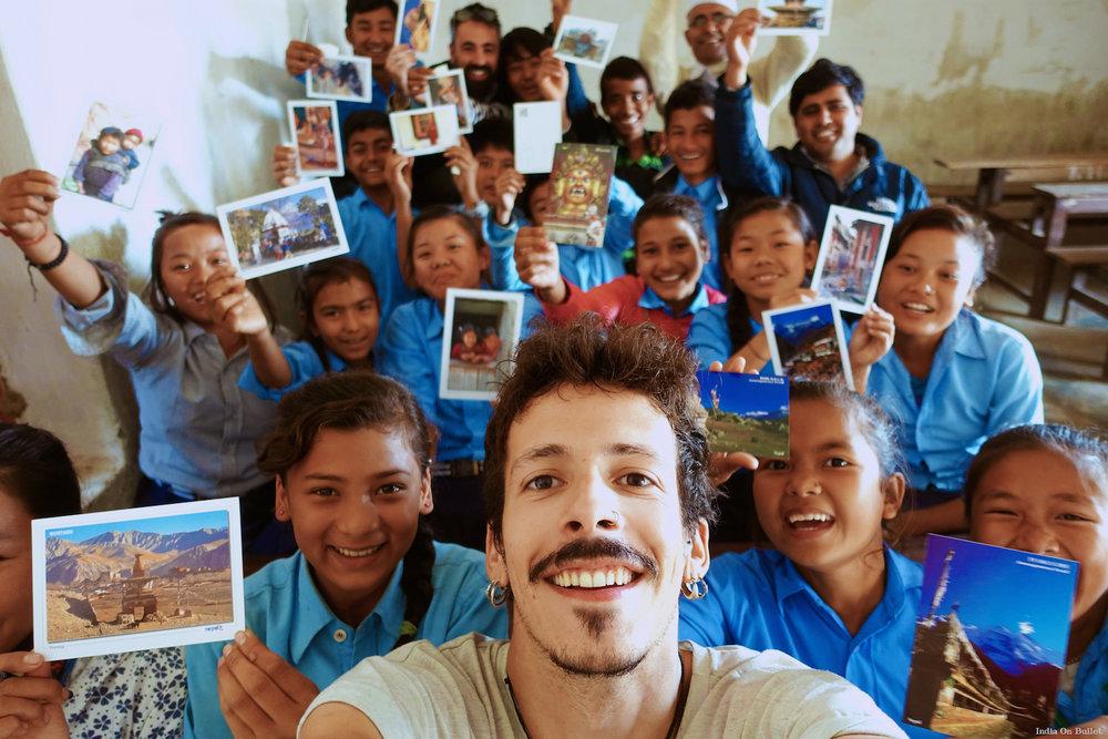 25.      Selfie Nepali  . Katari, Nepal     60cm x 40cm,   support en   aluminium, €56.00   ( Frais de Port inclus)