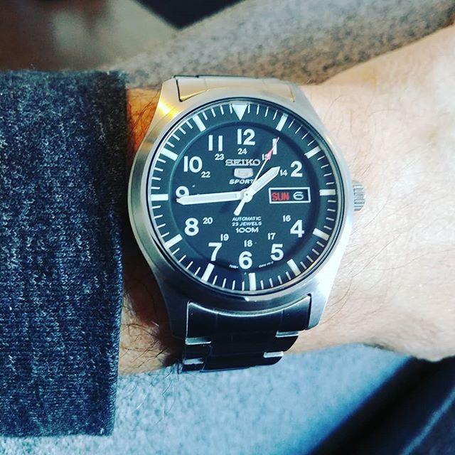 It's about time. #time #davidbowie #pinkfloyd #seiko5 #seiko #watch #watchthatman #wristwatch #itsabouttime