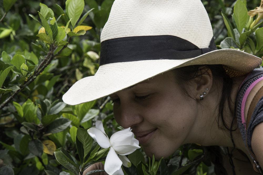 Hacienda Venecia-67 Felicia with gardenia.jpg