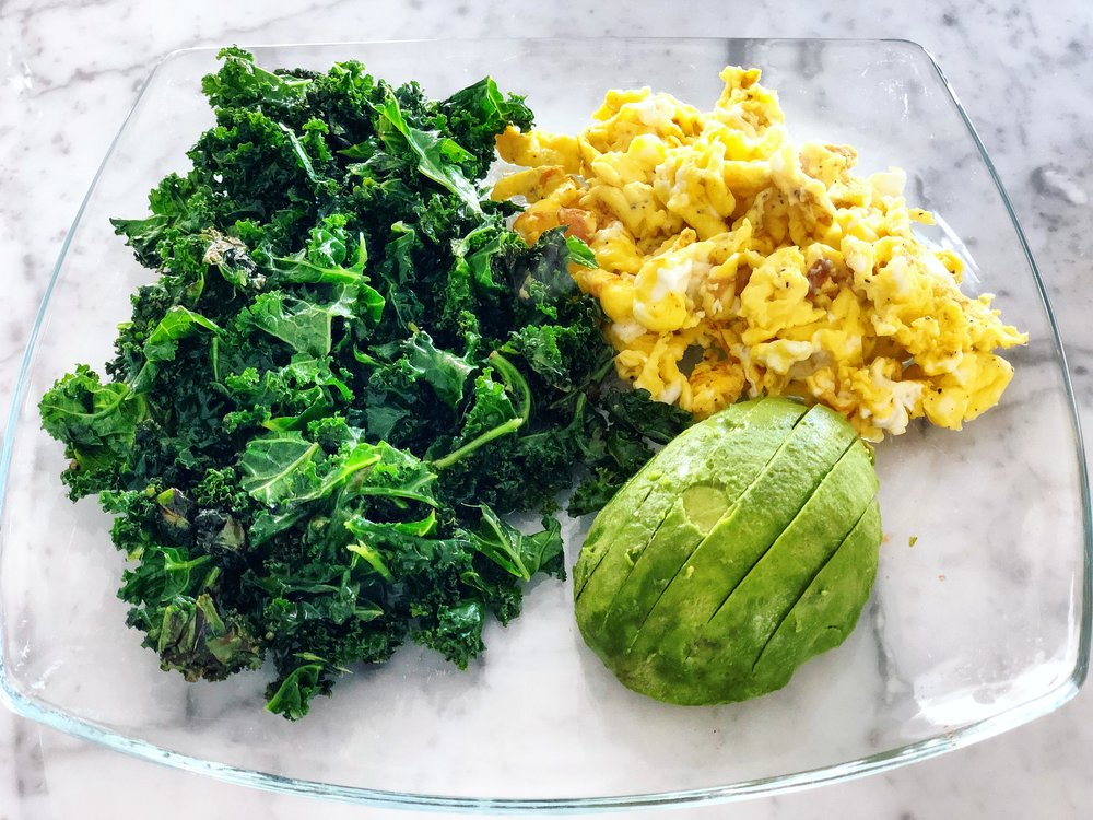 Keeping my breakfast high in protein, healthy fats and veggies this week to keep me on track with the sweet defeat #sugarfreechallenge 💪🏽💪🏽
