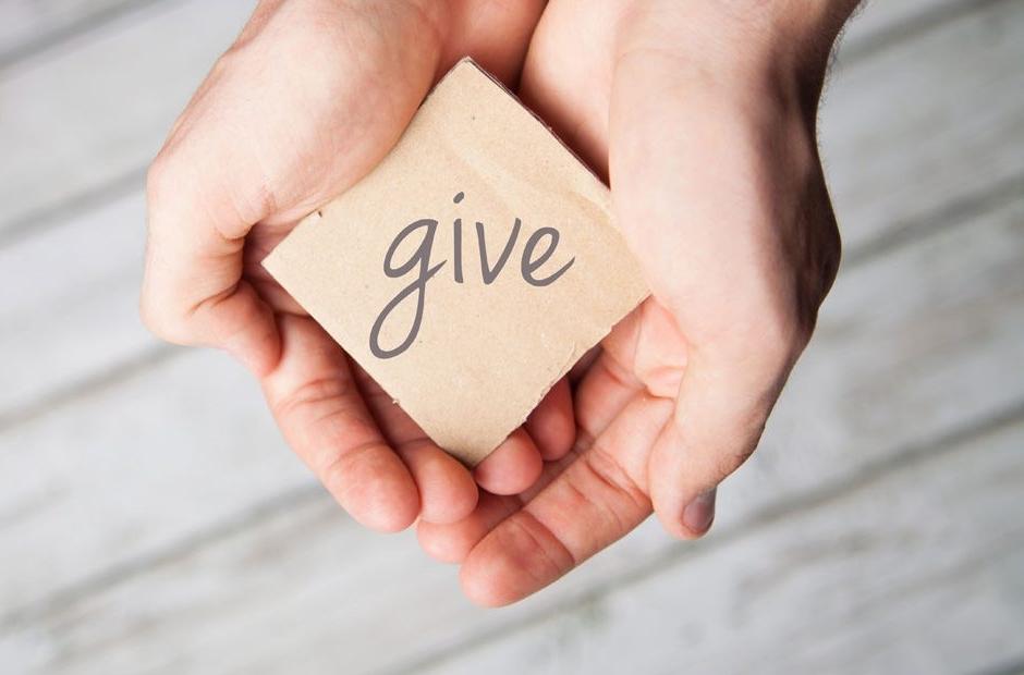 GiveHands-iStock-Blog-1280x620-1280x620.jpg