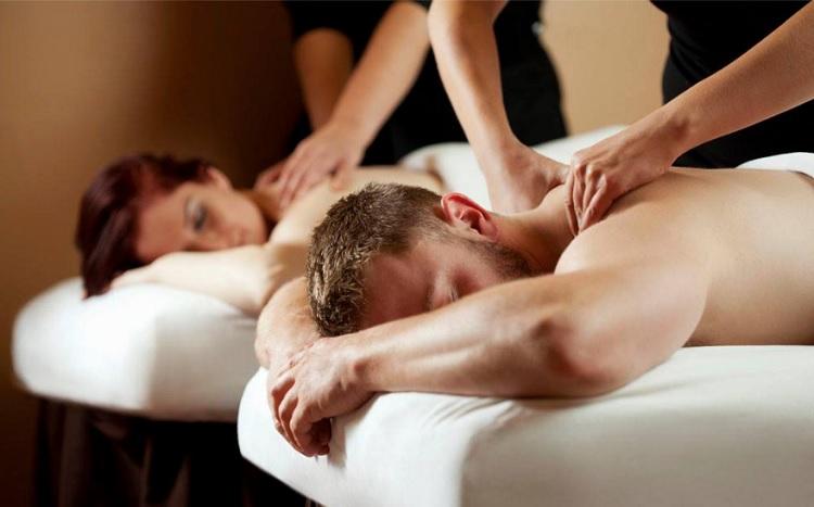 MassageEnvy_CouplesMassage_750x467.jpg