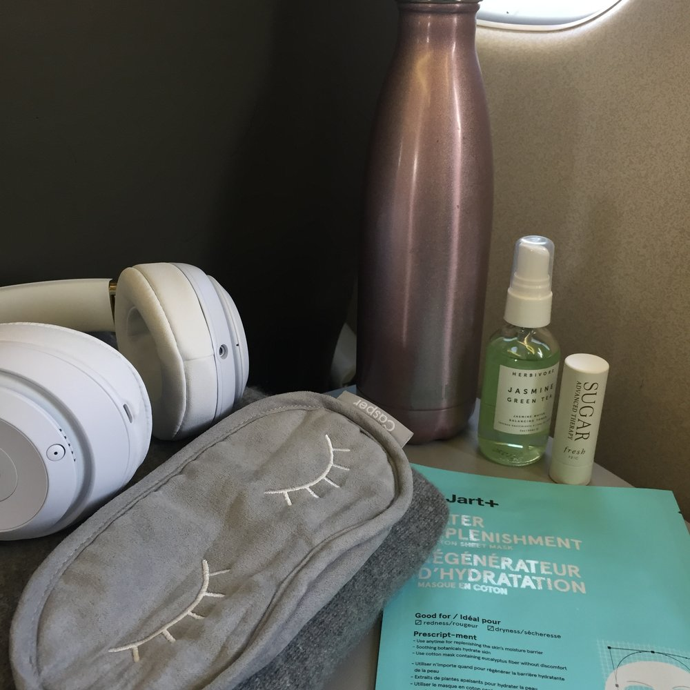 flying-essentials-for-bloggers.JPG