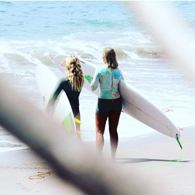 Swell season is here! Email us for exclusive surf season rates and be sure to check out our learn to surf package on our website (links in bio). . . . . . #magnificrock #surf #nicaragua #swellseason #learntosurf #neverstopexploring #adventure