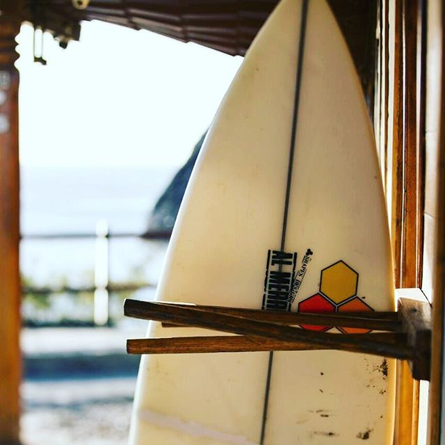 Come catch some waves! Check out our FaceBook page or email us for our exclusive surf season rates kicking off tomorrow! (Link in bio) . . . . . #magnificrock #surf #nicaragua #waves #suferlife #neverstopexploring #popoyo #beach #popoyobeach #swellseason #beginnersbay #vacation #beachlife