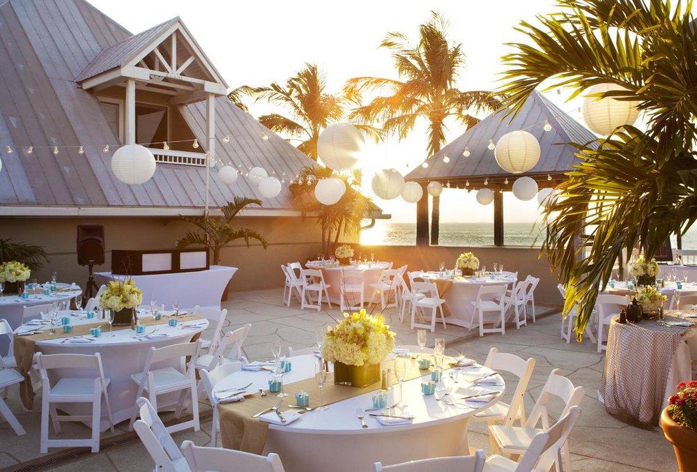 Sunset Deck Banquet_208573_med.jpg
