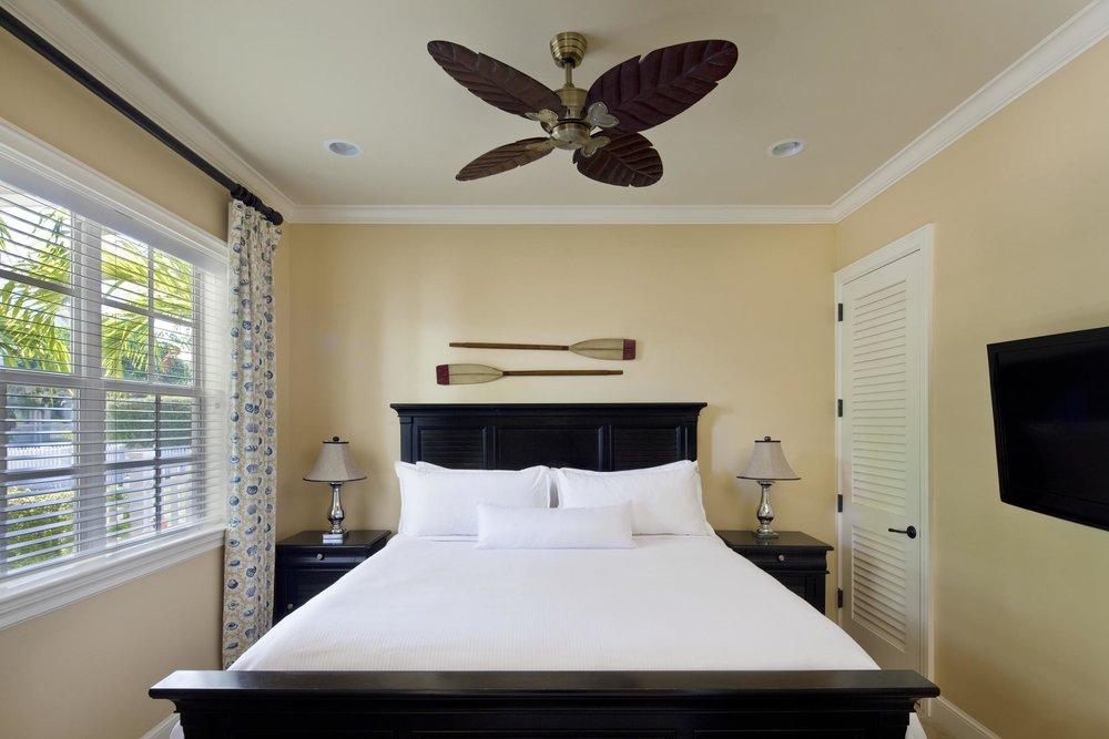 4BR_Guestroom_208548_high.jpg