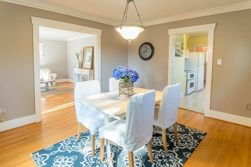 Summer 2017 Listing: Dining Room