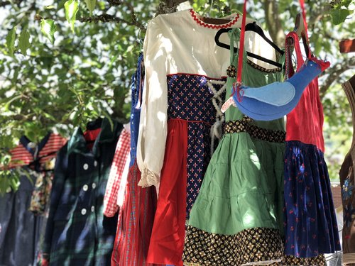 Don't miss the weekly Saturday La Paloma markets featuring vintage and handmade goods. Treasures galore!