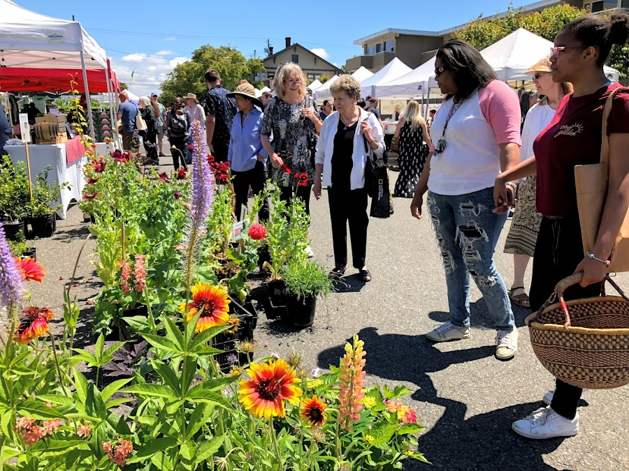 The Proctor Farmers' Market is Tacoma's only all-year market. The market takes place every Saturday.
