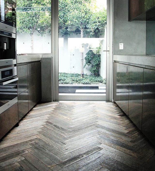 Rustic finished #recycledhardwood #custom #herringbone floor for this #beautiful #neutralbay home by @antiquefloors www.antiquefloors.com.au #interiordesign #interiordecor #architecture #sydney #sydneystyle #sydneydesign #sydneyinteriors #sydneybuilder #sydneyarchitect #melbourne #melbournestyle #melbournedesign #melbourneinteriors #melbournebuilder #melbournearchitect #mosman #manly #doublebay #bondibeach #bellevuehill #bowral #balmain #rozelle #leichhardt #antiquefloors
