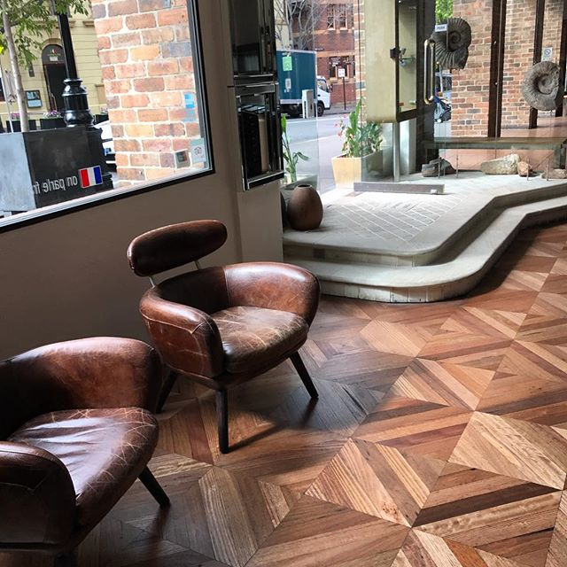 How #beautiful does our #reducingsquare #recycledhardwood #parquetry floor look now that it has been oiled? A stunning contribution by @antiquefloors to the @opalmindedsydney store in #therocks #sydney #sydneystyle #sydneyharbour #sydneydesign #sydneyarchitect #melbourne #melbournestyle #melbournedesign #melbourneinteriors #melbournearchitecture #toorak #bondi #doublebay #mosman #bowral #balmain #rozelle #leichhardt #antiquefloors