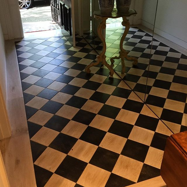 #custom #checkerboard #oak #parquetry by @antiquefloors at #leichhardt in the entrance of a #stunning #woollahra terrace #renovation #sydneystyle #sydneydesign #sydneyarchitecture #sydneyinteriors #melbourne #melbournestyle #melbournedesign #melbournearchitecture #chevron #herringbone #marieantoinette #versailles #mosman #bondi #doublebay #toorak #bowral #interiordesign #interiordecor #architecture #antiquefloors