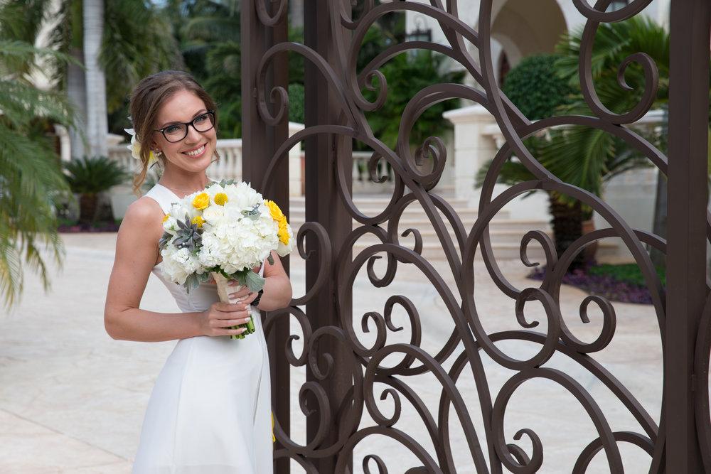 destination-wedding-venue-villa-la-joya-02.jpg