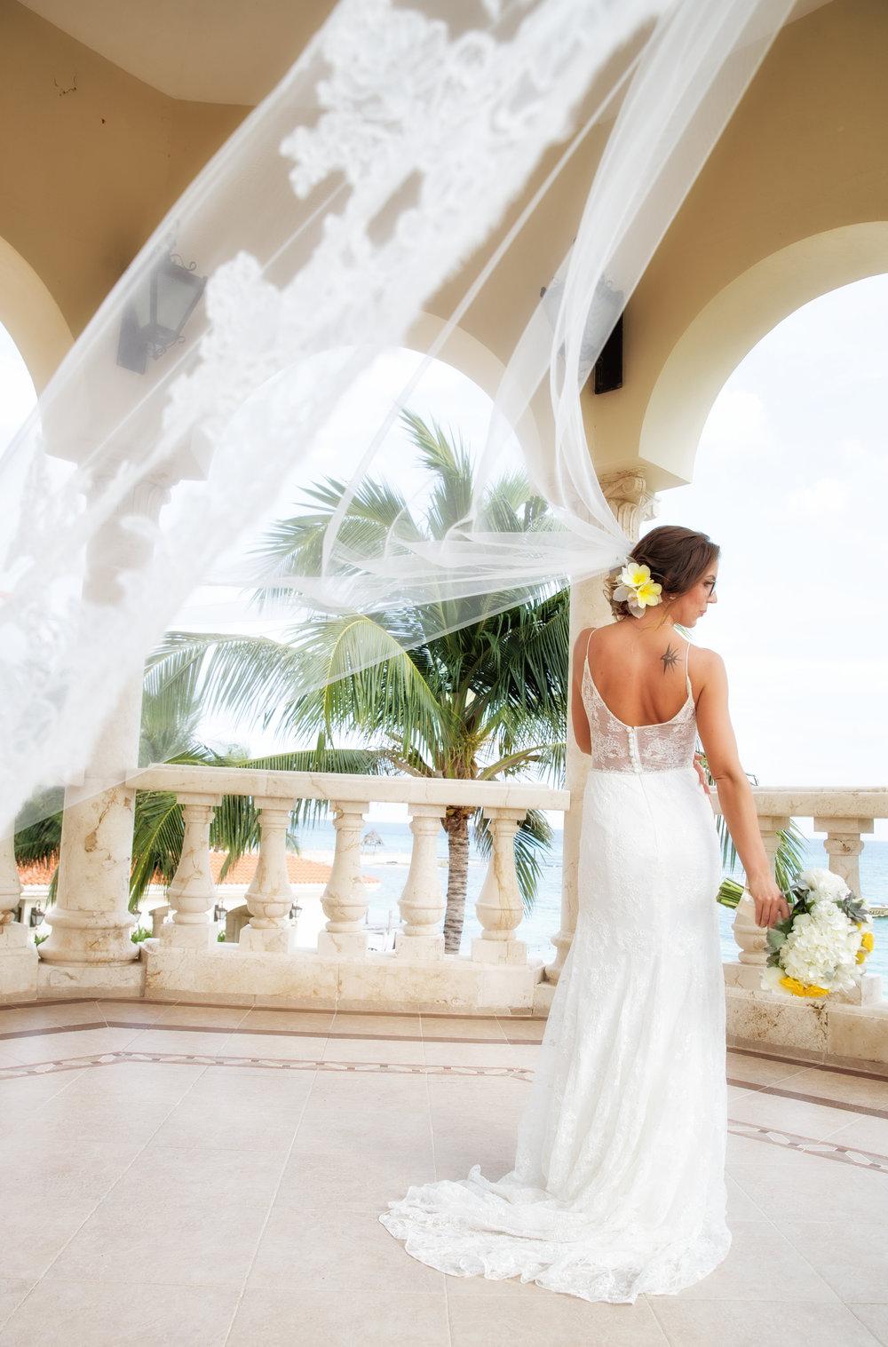 destination-wedding-venue-villa-la-joya-10.jpg