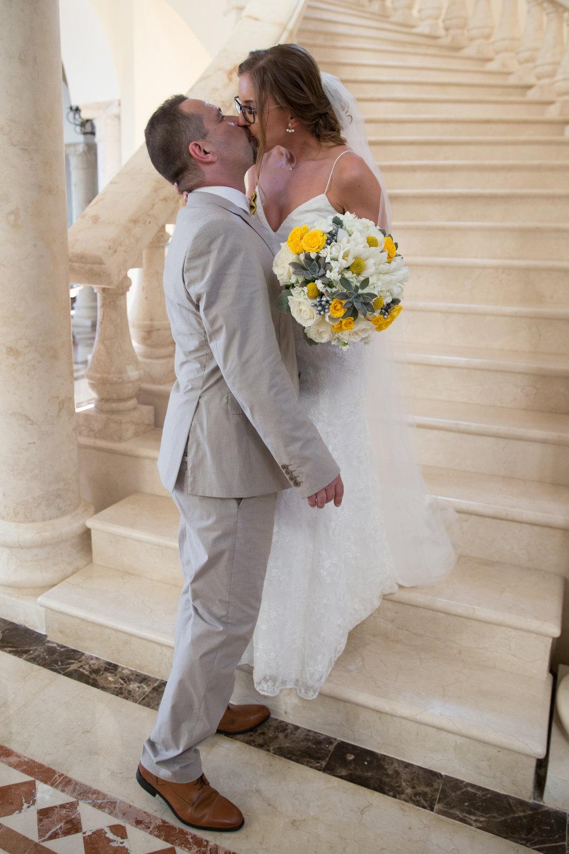 destination-wedding-venue-villa-la-joya-20.jpg
