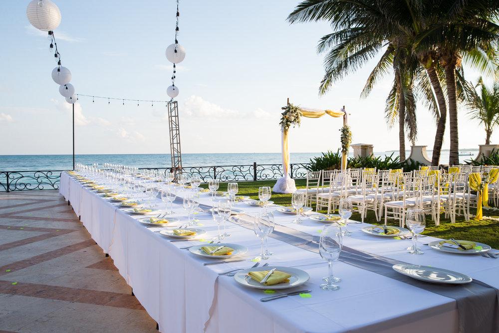 destination-wedding-venue-villa-la-joya-27.jpg