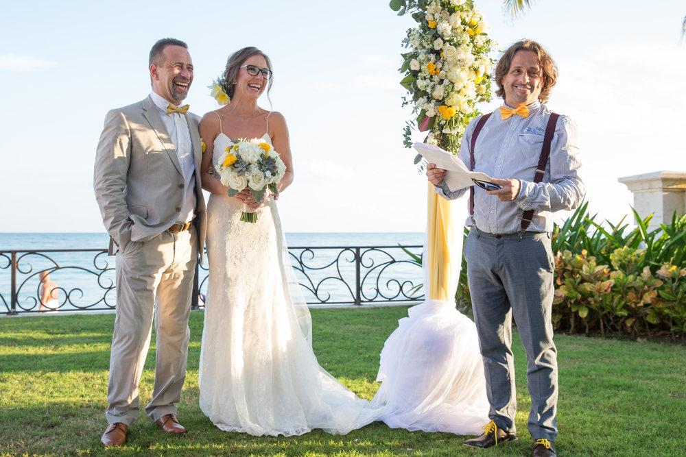 destination-wedding-venue-villa-la-joya-32.jpg