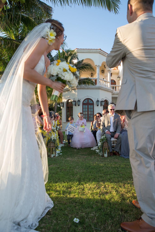 destination-wedding-venue-villa-la-joya-33.jpg