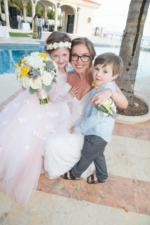 destination-wedding-venue-villa-la-joya-39.jpg