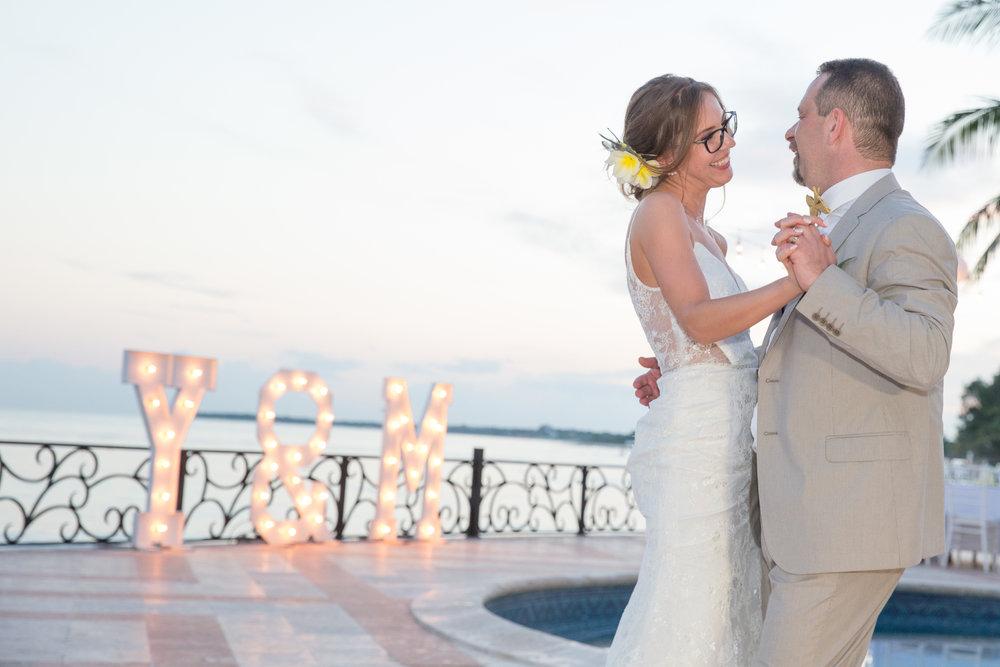destination-wedding-venue-villa-la-joya-52.jpg