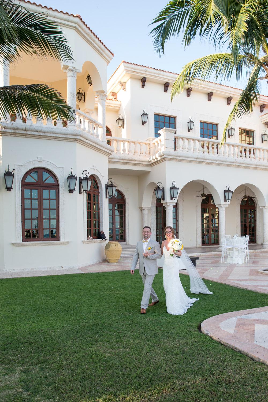 destination-wedding-venue-villa-la-joya-30.jpg