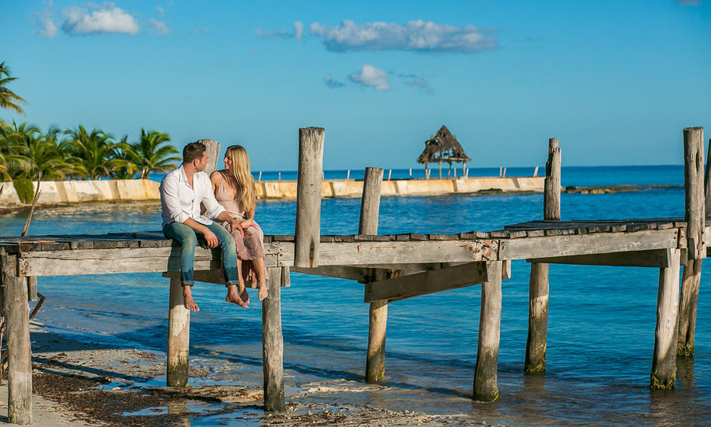 Cancun-engagement-session-villa-la-yoya-06.jpg