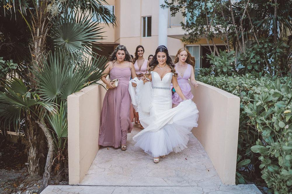 mexico-destination-wedding-villa-la-joya-cancun-private-villa-069.jpg