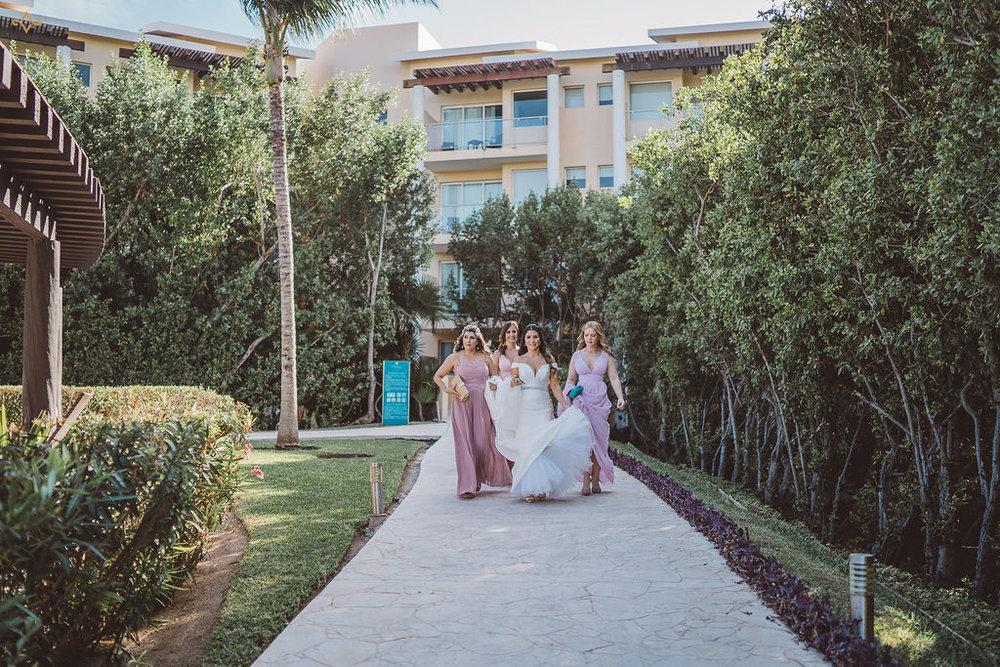 mexico-destination-wedding-villa-la-joya-cancun-private-villa-070.jpg
