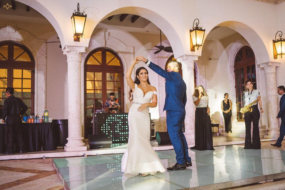 mexico-destination-wedding-villa-la-joya-cancun-private-villa-153.jpg
