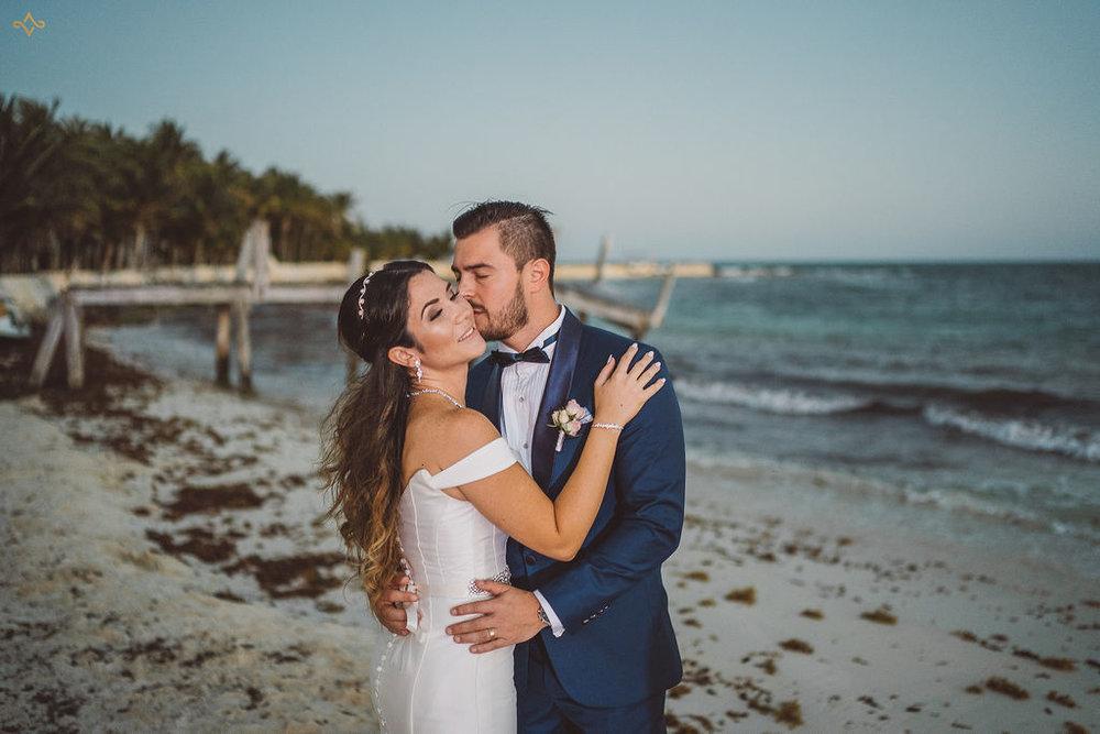 mexico-destination-wedding-villa-la-joya-cancun-private-villa-162.jpg