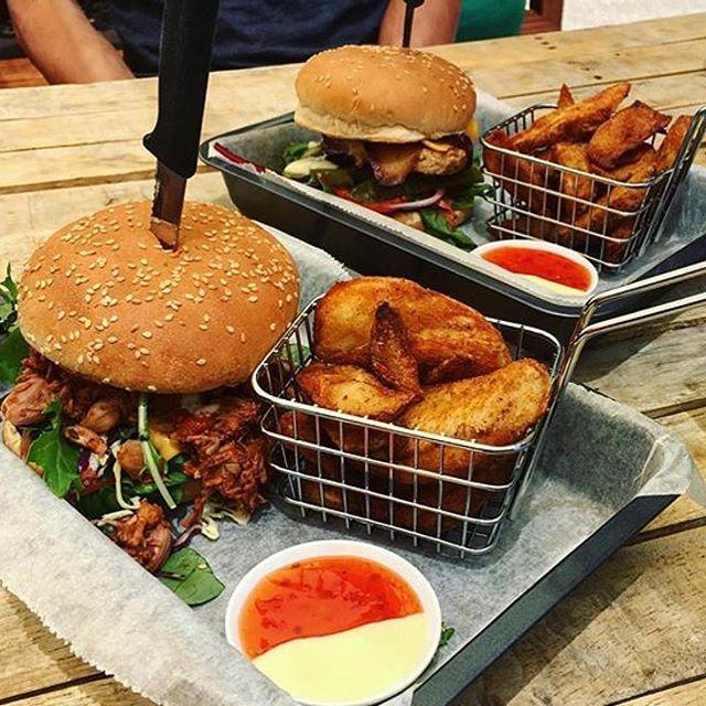 These burgers are VEGAN. Believe it. Via @succulentservings.