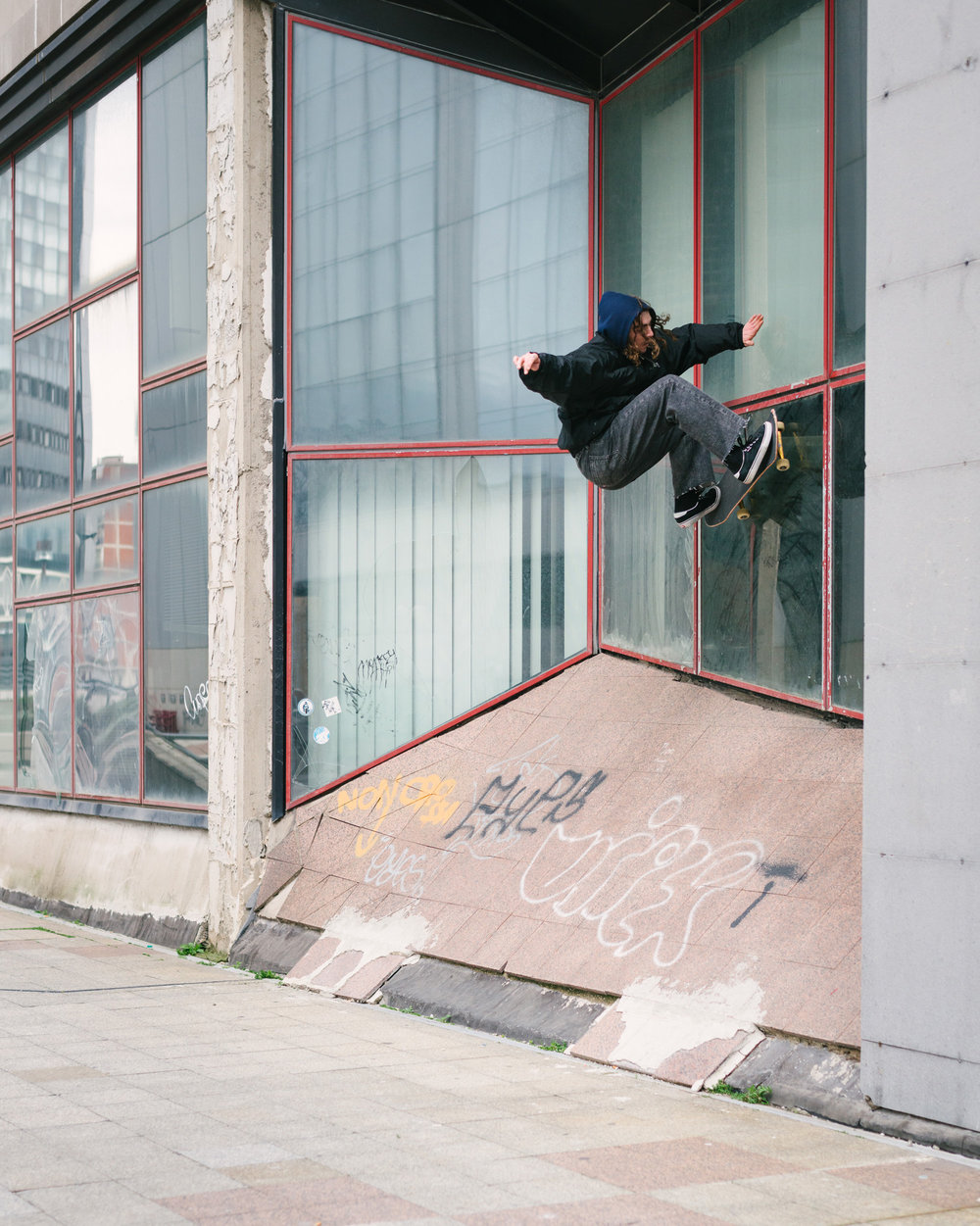 Quentin Boilion – frontside wallride.  Photo: Maxime Verret