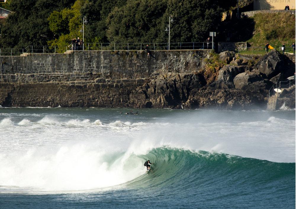2018 Pukas Surf MUNDAKA surfing the basque country7.jpg