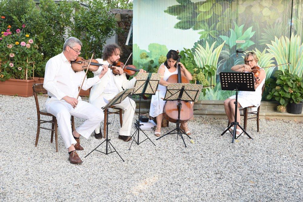 music-villa-tuscany.jpg