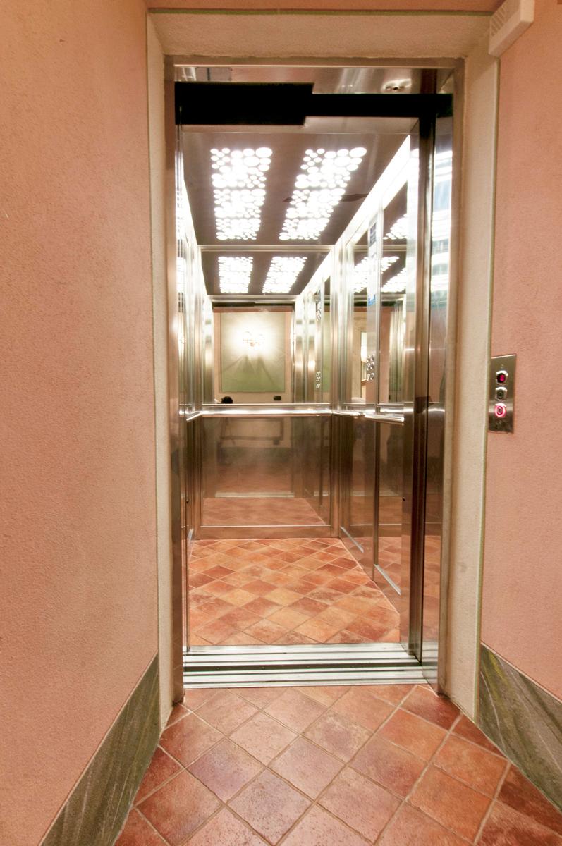48-elevator.jpg