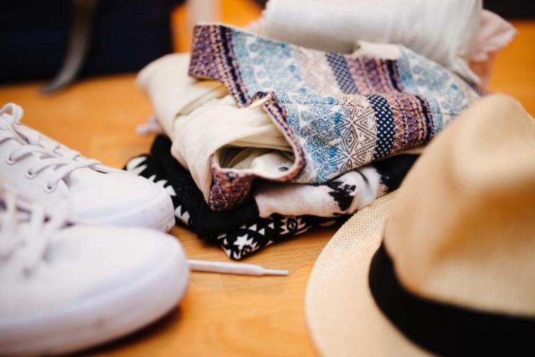Kalde høstdager krever varme klær, men i stedet for å vente helt til det blir kaldt, anbefaler vi deg å rydde i skapet for å selge unna ting på Tise eller gi bort til Fretex. Kanskje kan du byttelåne årets kåpe med venninnen din? Enda flere tips til gjenbruk og shoppe-stopp finner du her!