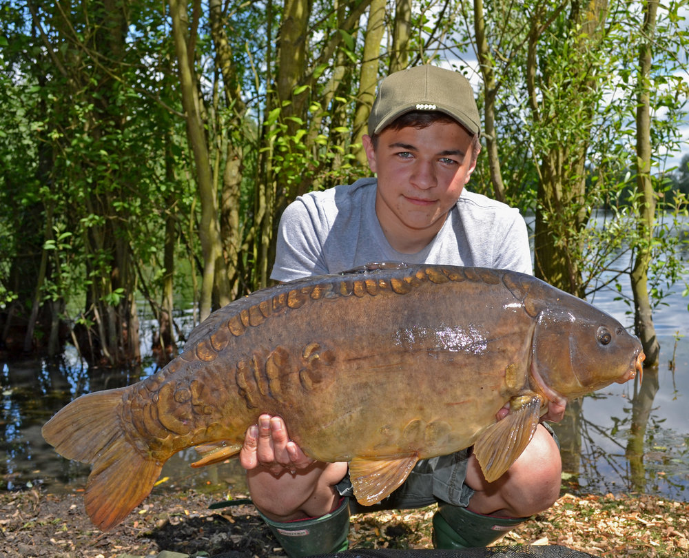 A typical Thorpe Lea mirror of 18lb 12oz