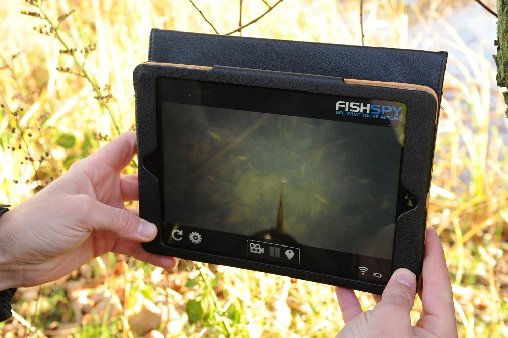 FishSpy beams back to a smartphone or tablet.