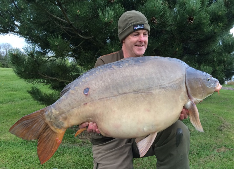 Captain Scarlet made up part of a 92lb brace for Chris