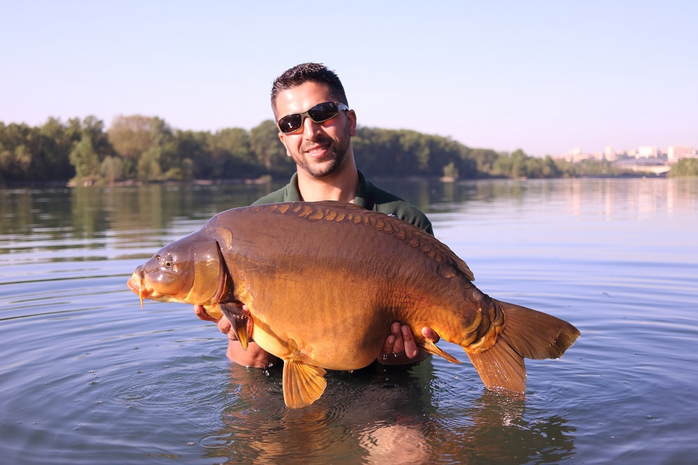 A 33lb mirror for Matt