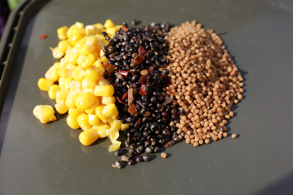 Small particles, such as corn, hemp and pellets are great addition to any method mix
